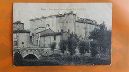 Regny - Vieux Pont Sur Rhins ....en L'etat Pliure - Autres Communes