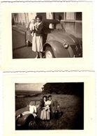 2 Photos Originales Citroën 2 Cv Capot Ondulé, En Famille Béret & Campagne à La Française Vers 1960 - Automobile
