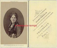 CDV Beau Portrait De Femme-photo Truchelut Rue Grammont à Paris - Photos