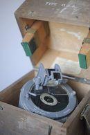 One Vintage British Royal Navy Compass - Bussole Bussola - Luchtvaart