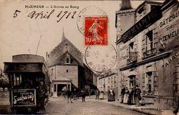 S25-032 Ploemeur - L'Arrivée Au Bourg - Tramway Avec Publicité Suchard - Ploemeur