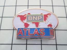 1216c Pin's Pins / Rare Et De Belle Qualité !!! THEME BANQUES / BNP PLANISPHERE ATLAS La Banque Qui Se Prend Des Amendes - Parfums