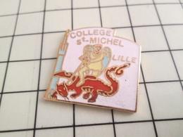 1215c Pin's Pins / Rare Et De Belle Qualité !!! THEME ADMINISTRATIONS / COLLEGE ST MICHEL LILLE DRAGON ROUGE - Administrations