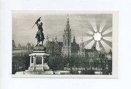1938 3. Reich Österreichanschluss Propagandakarte  Wien Heldenplatz Mit Rathaus Unter Der Hakenkreuzsonne - Storia Postale