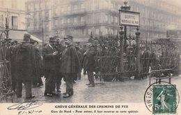 Thème Grève.Paris. Grève Générale Des Chemins De Fer. Gare Du Nord  Faut Montrer Sa Carte  ( Voir Scan) - Grèves