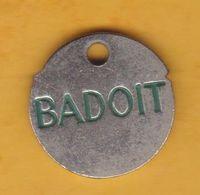Jeton De Caddie En Métal - Badoit - Eau Minérale - Jetons De Caddies