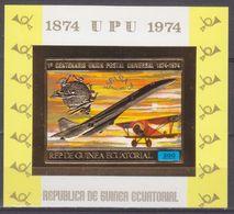 1974Equatorial Guinea463/B140bgold100 Years UPU - Airplane 11,00 € - Aerei