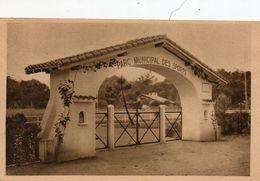 40. CPSM. SOUSTONS - Entrée Du Parc Des Sports - 1949. - Soustons