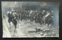 CPA - 1319. Dt;Salon De 1906. Paris Sous La Commune 1871 Par André Devambez ND Phot. SPA - Histoire