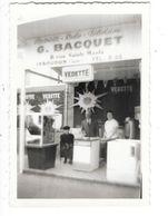 ISSOUDUN (36) Photographie Du Stand De La Maison G BACQUET électricité Radio Télévision 1962 - Issoudun