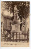 Naintré Le Monument Aux Morts - France