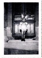 Photo Originale Déguisement D'Enfant : Âne Ou Lapin Au Choix ! Mais Grandes Oreilles Vers 1940/50 - Personnes Anonymes