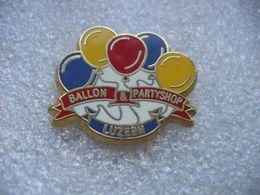 Pin's D'un Laché De Ballons à LUZERN En Suisse - Pin's
