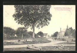 CPA St-Quentin-le-Verger, La Place Et Rue De Charmont - France