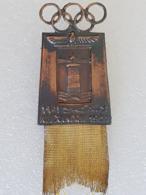 Badge - 1er Jeux Méditerranéens - First Mediterranean Games - Alexandrie - 1951 - Pin's & Anstecknadeln