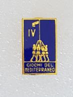 Badge 4eme Jeux Méditerranéens Naples 1963 - Badge Fourth Mediterranean Games Naples 1963 - Pin's & Anstecknadeln