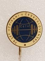 Epinglette - Pin Label - Haltérophilie - Weightlifting - Gewichtheben - Tschécoslovaquie - Czechoslovakia - Halterofilia