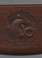 Division Salamandre Plaque En Bois  Sculpté  13 Cm X 20 Cm - Militaria