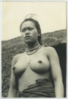 Viêt-Nam . Jeune Femme Aux Seins Nus . Circa 1953 . - Luoghi
