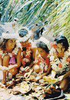 Tahiti Préparation Des Plats Pour Un Tamaraa (2 Scans) - Tahiti