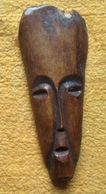 Lega - Originele Talisman In Been  Grookt Ivoor - Amulette Originale En Ivoire Fumée - Art Africain