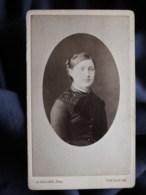 Photo CDV J. Allard à Toulouse - Portrait Jeune Femme En Médaillon, Circa 1880 L509B - Oud (voor 1900)