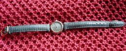 Michel HERBELIN  Paris - Magnifique  Montre Ancienne Femme Quartz -  Bracelet Fait Main - Année 1970 - Montres Anciennes