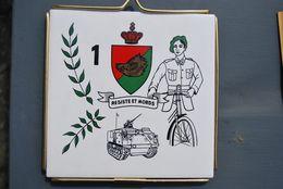 """2952/ 1° Chasseur Ardennais ARLON  - Cycliste - Blindé  """"Résiste Et Mords""""  / - Non Classificati"""