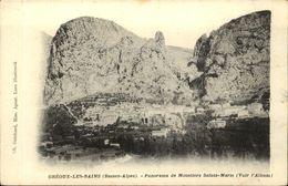 04  GREOUX Les BAINS  Le Village  De Moustiers Sainte Marie - Gréoux-les-Bains