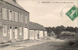 D80  RIBEMONT ( Sur Ancre ) La Poste Et La Rue De La Gare - Autres Communes
