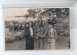 """89 Vermenton ( Yonne ) - Carte Photo """" Pierre Saffroy En Gentleman Farmer Sept 1938 """"  Pierre Avec Son Chien Généalogie - Vermenton"""