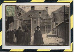 DPT 05 . - . BRIANCON - GREVISTES DEVANT L'USINE DE LA SCHAPPE. EN 1907 - ANIMATION. CARTE RARE - Briancon