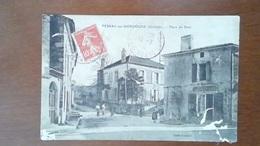 CARTE POSTALE ANCIENNE - GIRONDE 33 - PESSAC SUR DORDOGNE - PLACE DU PONT - Francia
