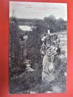 RARE !!!! PARC SURJOUX_LA DOUANE, Le Pont Et La Cascade De La Vézeronce_Animation Gros Plan DOUANIERS Avec Famille_1907 - France