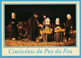 CINESCENIE DU PUY DU FOU - LES EPESSES - Fête 1930 : L'hiver Brûle Les Mains Des Femmes - Altri Comuni