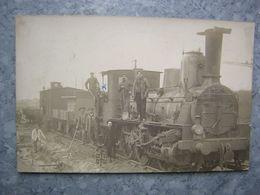 CARTE PHOTO A SITUER - TRAIN, LOCOMOTIVE - Trains