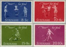 Suriname 1964 Kinderspelen - NVPH 414 MNH** Postfris - Surinam ... - 1975