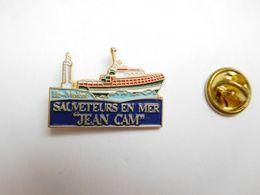 Beau Pin's , Marine Bateau , SNSM , Sauveteurs En Mer , Jean Cam , Molène - Barcos
