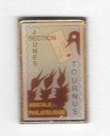 Pin' S  LA  POSTE, AMICALE  PHILATÉLIQUE  SECTION  JEUNES, TOURNUS  ( 71 ) - Postes