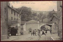 Saint-Vallier La Station Animée Pont  * Drôme 26240 * Saint Vallier Arrondissement De Valence Ligne De Chemin De Fer - Autres Communes