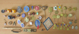 Important Lot D'insignes Et Broches Anciens Dont Militaires, Sport, Salons, Villes, Foires - Métal, Papier, Composite - Broches