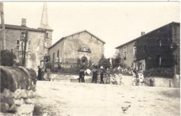 HENNECOURT   CENTENAIRE DE ST ROCH    PROCESSION DEVANT L'EGLISE    1954   CARTE PHOTO ANIMEE - Sonstige Gemeinden