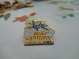 Lot 060 -- Pin's Lynx Atari Blue Lightning - Computers