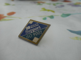 Lot 060 -- Pin's HP Support Iso 9002 -- Exclusif Sur Delcampe - Informatique