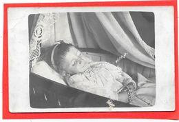 Cpa PHOTO MORTUAIRE - Petite Fille Décédée - Photographie