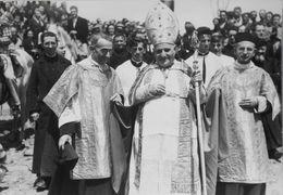Carte-Photo George Arles - Pélerinage Aux Stes Maries De La Mer - Di Angelo Roncalli Futur Pape Jean XXIII - TBE - Saintes Maries De La Mer