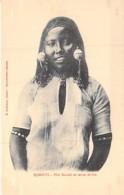 Afrique Noire ( Ex AOF ) DJIBOUTI : Fille DANKALI En Tenue De Fête - CPA - Black Africa - Djibouti