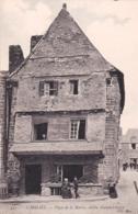 29 - Finistere -  CARHAIX - Place De La Mairie - Vieille Maison De 1621 - Carhaix-Plouguer