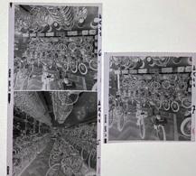 3 Photographies Négatifs Souples. Intérieur Magasin PITHIOUD Vélo Solex . Vélos - Automobiles
