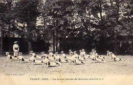 58 - FGSPF . URN - La Jeune Garde De Nevers - ( Adultes ) - Nevers